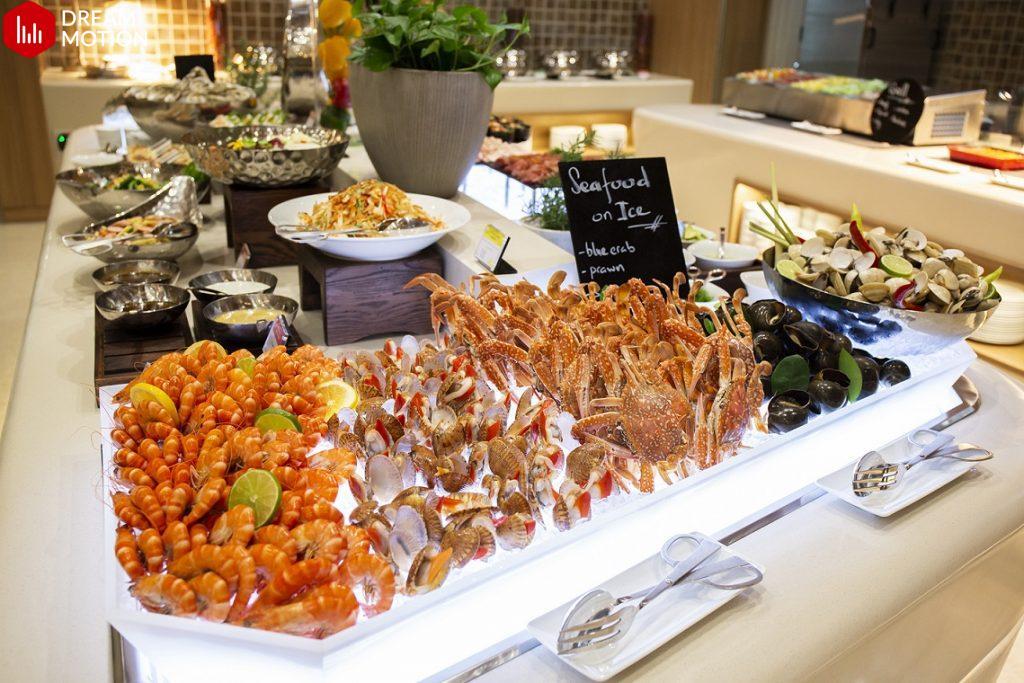Buffet hải sản nhà hàng 5 sao giá mềm tại Manja Manja